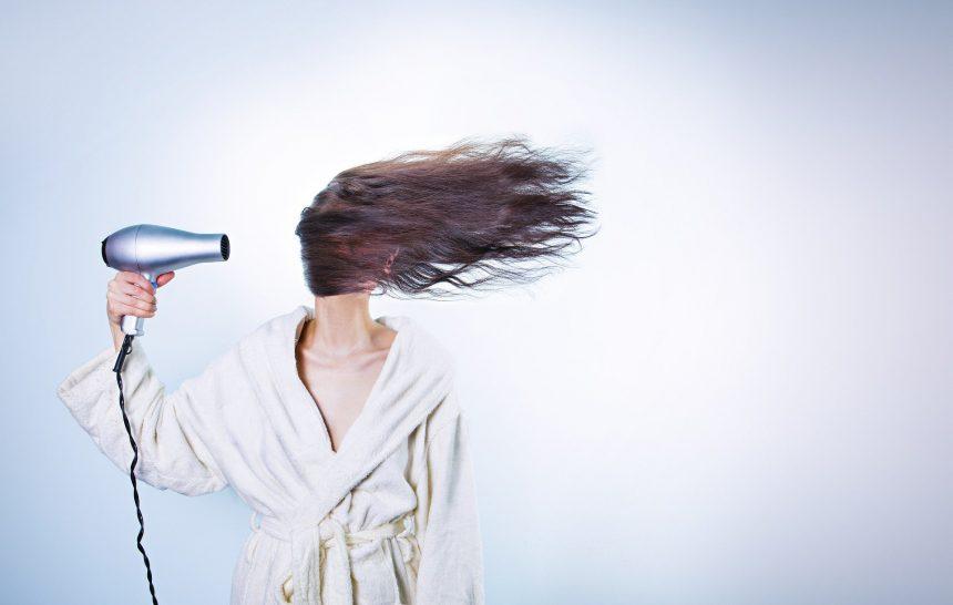 Comment se couper les cheveux à la maison ?